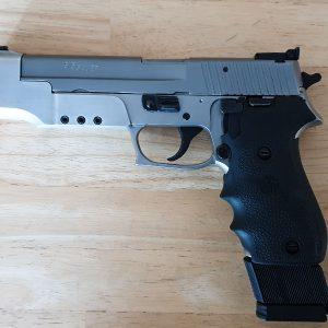 Sig Sauer Pistole P220 Sport .45 ACP